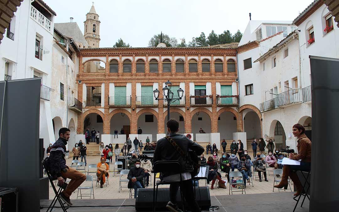 La plaza de la Villa de Híjar, en la actuación dentro de Cultubral. / B. Severino