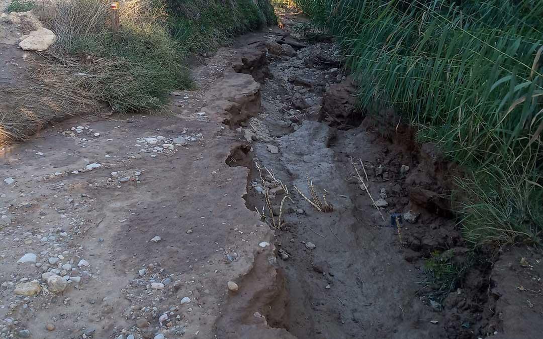 Uno de los caminos afectados en Híjar en la zona de las Vegas. / Eshijar
