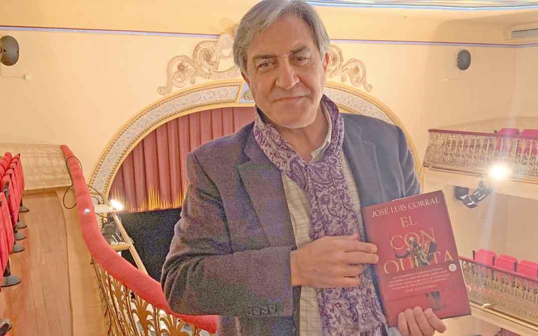 José Luis Corral en el Teatro Municipal de Alcañiz./ M.Q.