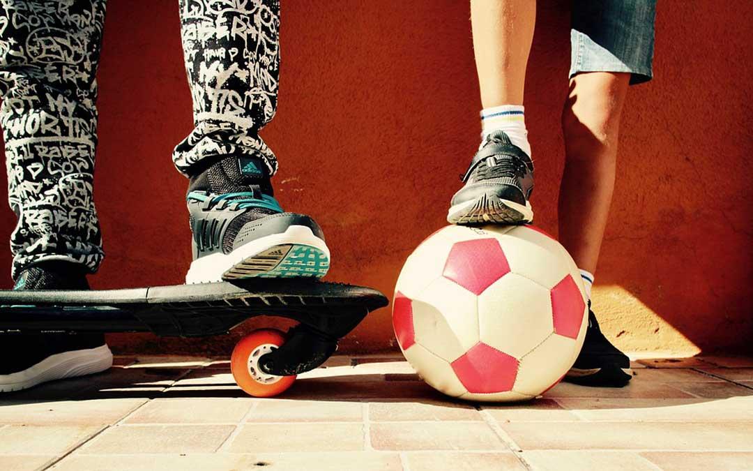 Foto de archivo de unos jóvenes / Pixabay