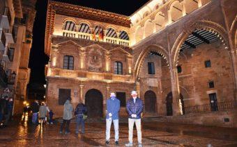Alcañiz estrena iluminación en las fachadas del Ayuntamiento y la Lonja