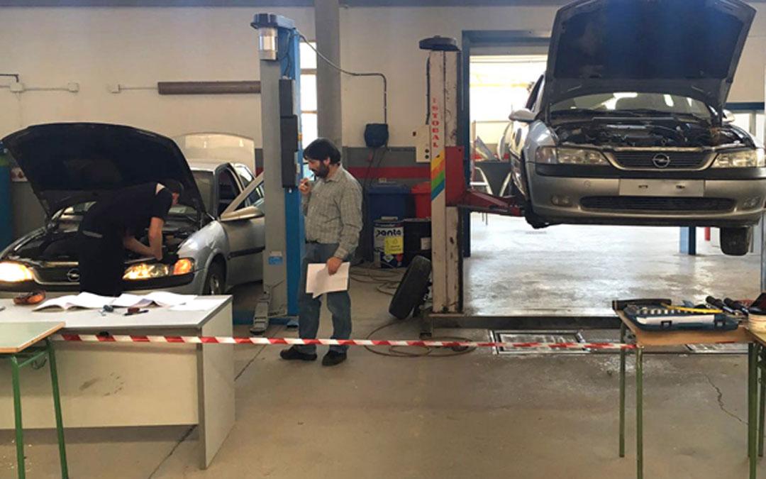 Transporte y mantenimiento de vehículos en el CPIFP Bajo Aragón