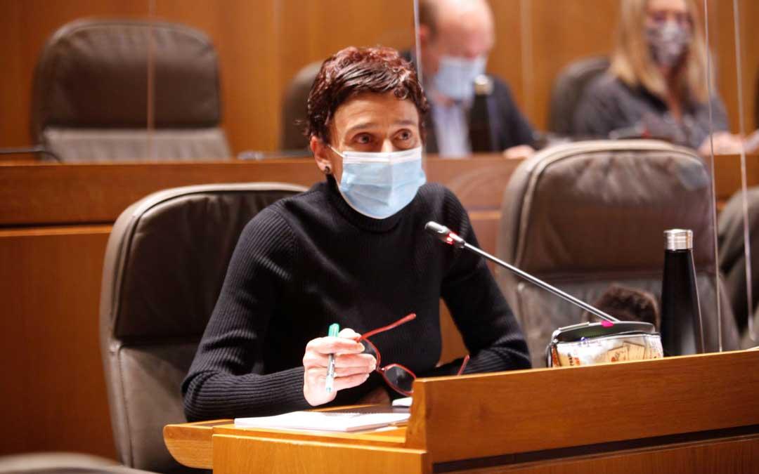 La diputada del PP de Teruel Ana Marín, este viernes, en la comisión de Sanidad de las Cortes de Aragón