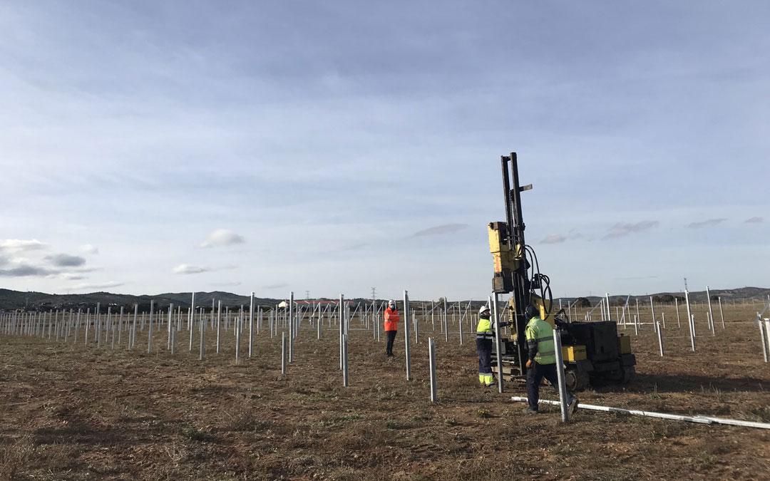 Inicio de la construcción de las plantas fotovoltaicas en Castelserás y Mas de las Matas a cargo de Electra del Maestrazgo.