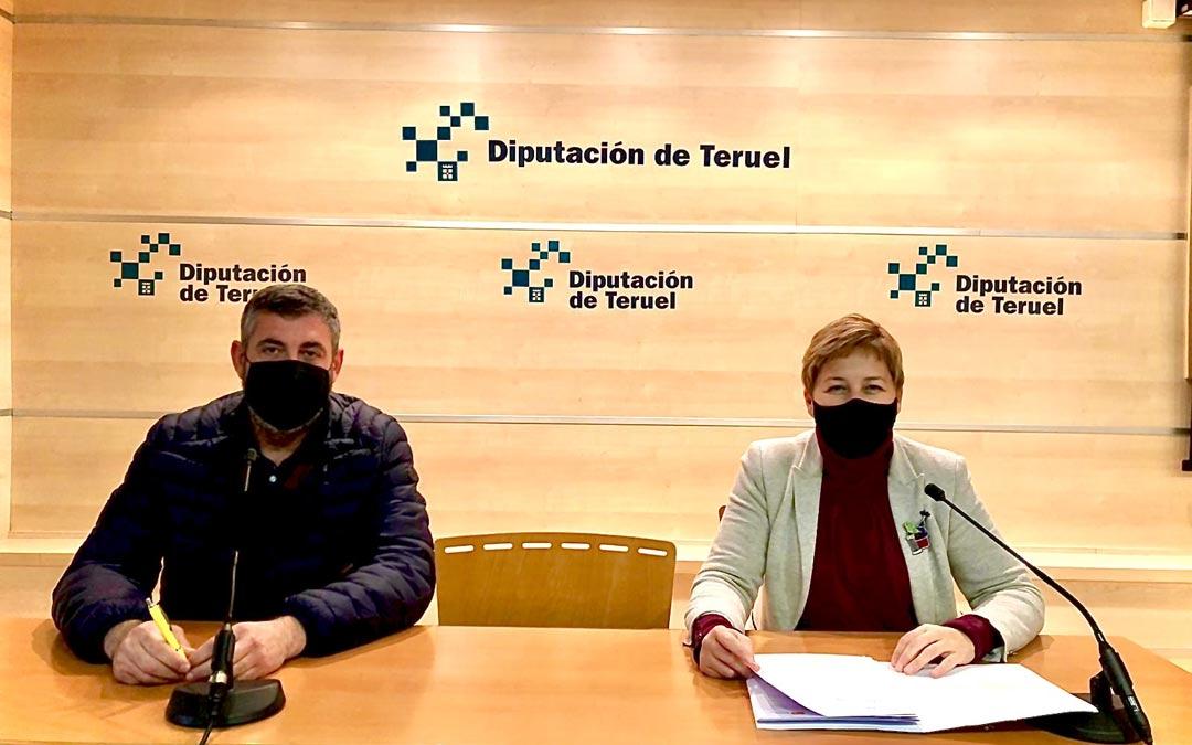 Berta Zapater y Antonio Pérez, durante la rueda de prensa./PAR