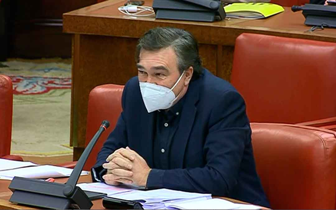 Tomás Guitarte, de Teruel Existe, en el Congreso de los Diputados.