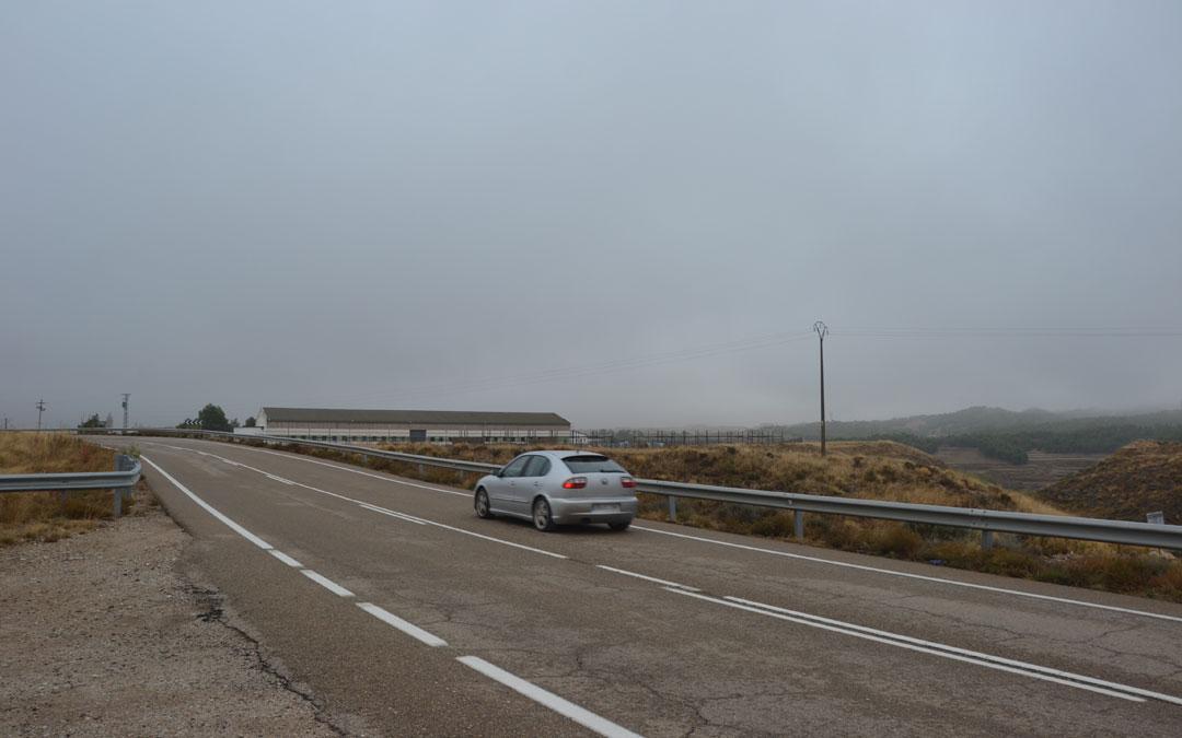 Carretera A-224 que une Urrea con Híjar a la altura de Caña Selecta. / María Quílez