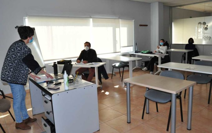 Finaliza el curso de curso de operaciones auxiliares de industria alimentaria de Arcoiris
