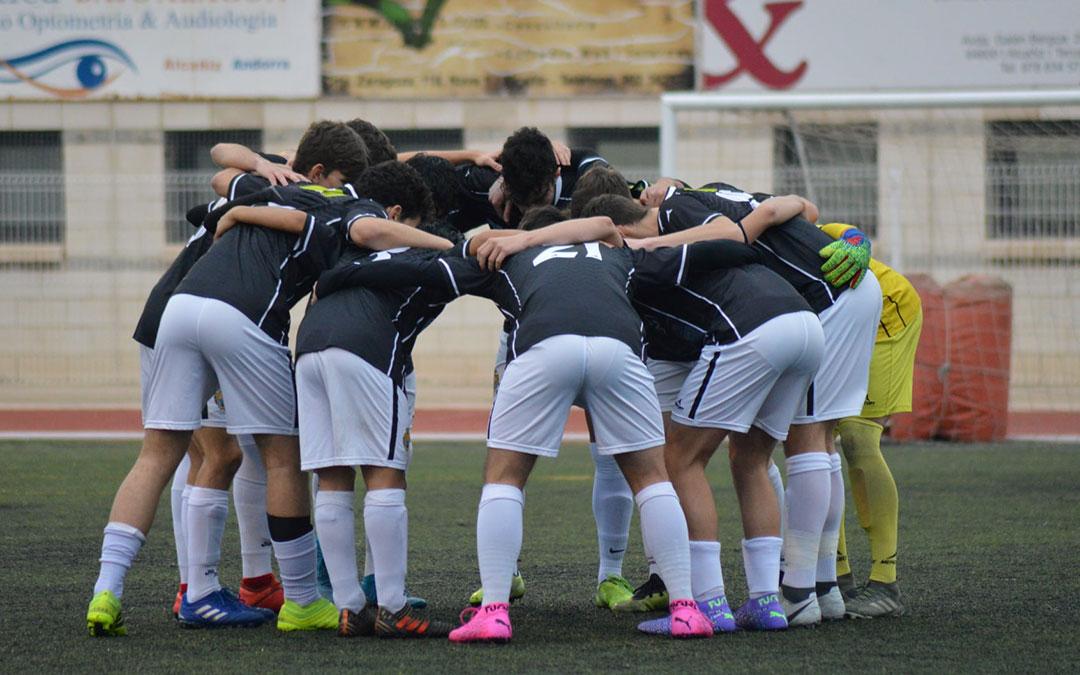 Los jugadores del Alcañiz este sábado en la Ciudad Deportiva Santa María./ Facebook Alcañiz C.F.