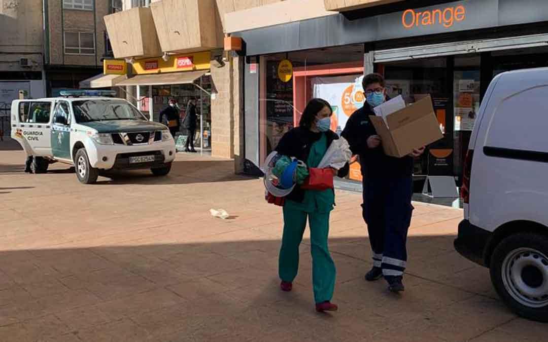 Llegada de las vacunas a Residencia Alcañiz este miércoles. / M. Q.