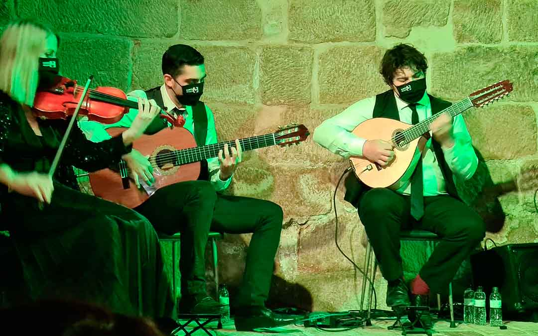 Actuación de Bordón Negro en Chiprana.