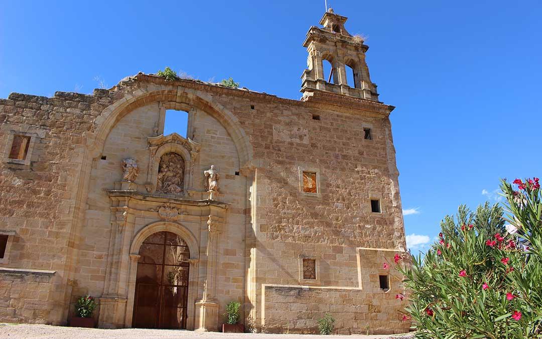Portada principal del Convento Servita de Cuevas de Cañart./ Comarca Maestrazgo