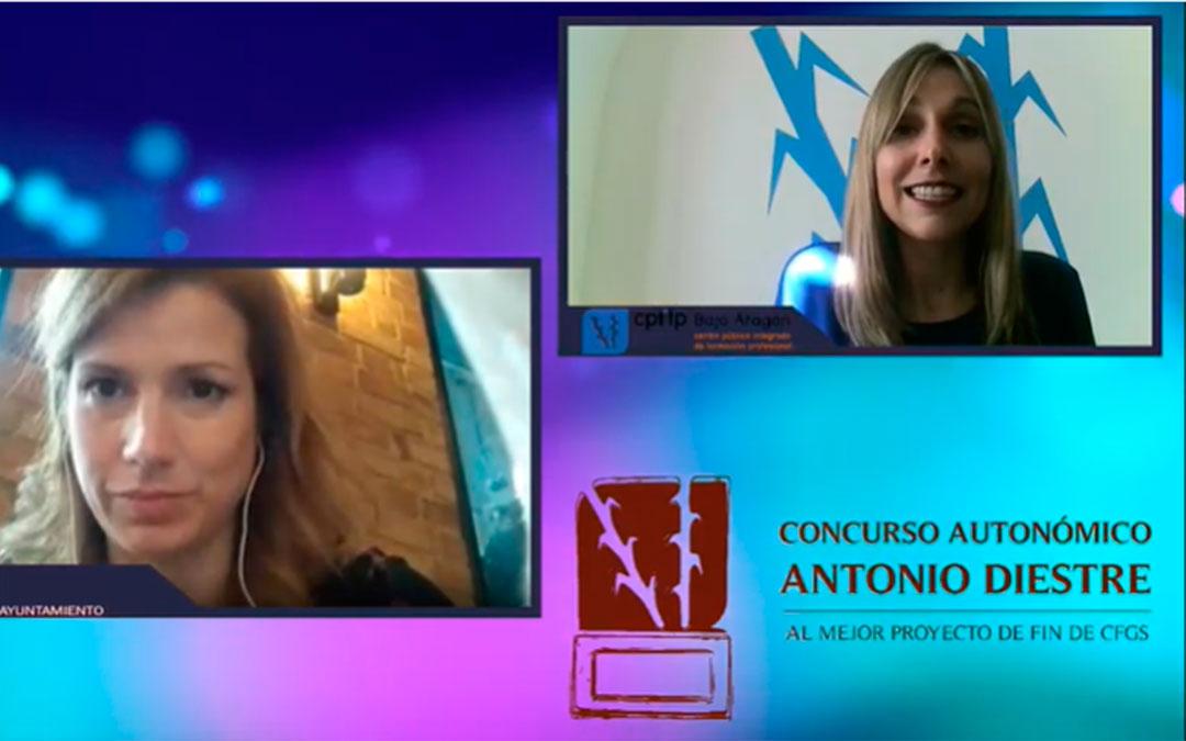 Eva Defior recoge el premio de forma virtual./ L.C.