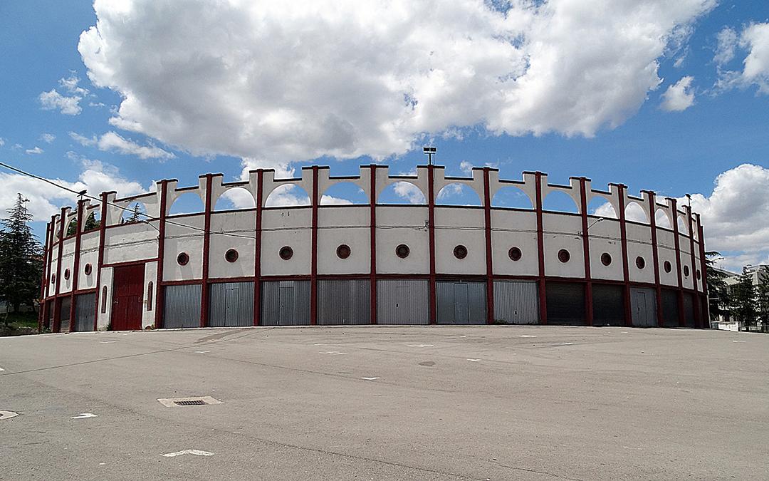 Emplazamiento que alberga el mercado, el lugar en el que se instalará el autocine. / AYTO. UTRILLAS