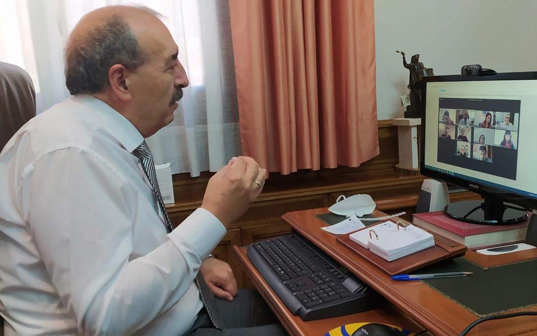 El presidente Rando en el transcurso de la reunión telemática./DPT