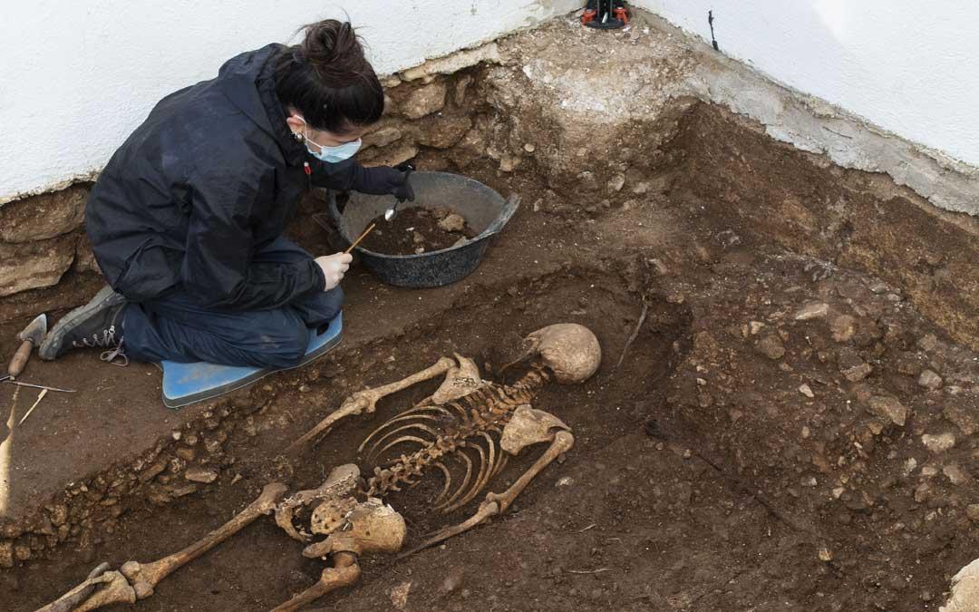 Restos humanos encontrados en el cementerio de los Reguers./Cadena Ser Ebre