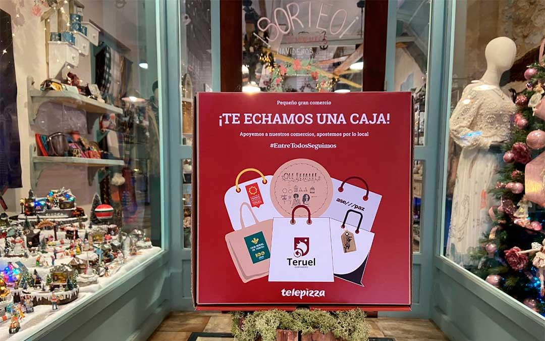 8.000 cajas de Telepizza, con los logos de las tres asociaciones de comerciantes de Teruel, llegarán a miles de hogares los próximos meses./ Telepizza