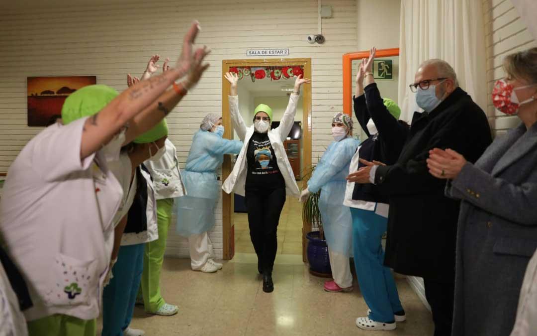 Celebración de la llegada de la vacuna en la residencia de Barbastro / DGA