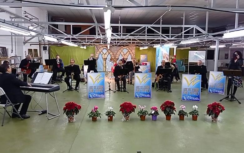 Integrantes de la Big Band Val de Zafán este sábado durante la retransmisión online del concierto./ Facebook Unión Musical Nuestra Señora de los Pueyos