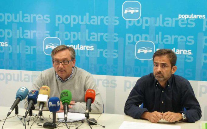 El alcalde de Valderrobres recoge avales para disputar la presidencia del PP de Teruel a Joaquín Juste
