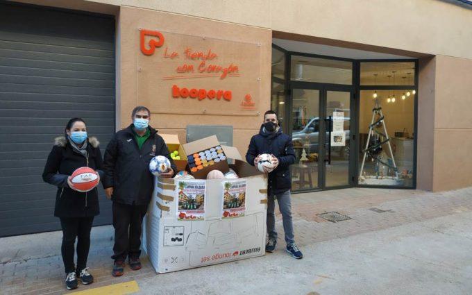Alcorisa dona 275 balones a través de la campaña solidaria 'Ningún niño sin pelota'