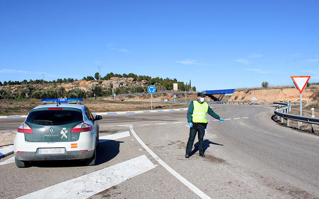 Control de la Guardia Civil en Alcañiz / L. Castel