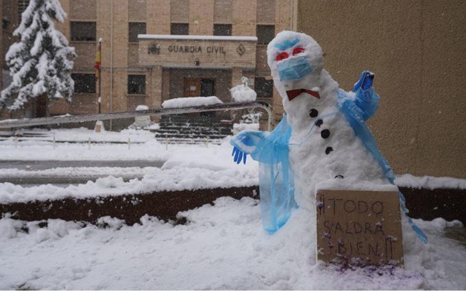 Trineos y muñecos de nieve, la cara más amable de la borrasca Filomena