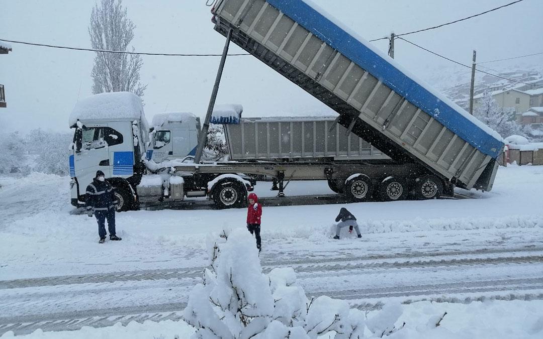 Espacio para la diversión en la nieve en Beceite. / Javier de Luna