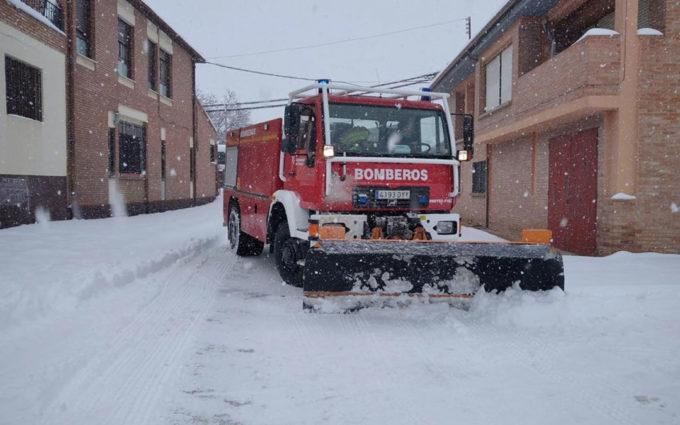 Intensa jornada de los efectivos de bomberos para aliviar los efectos de la borrasca