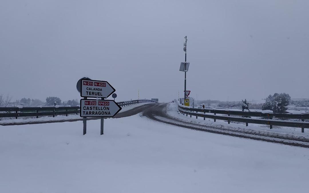 Cruce de carreteras a la salida de Alcañiz. / Juan Peñalver