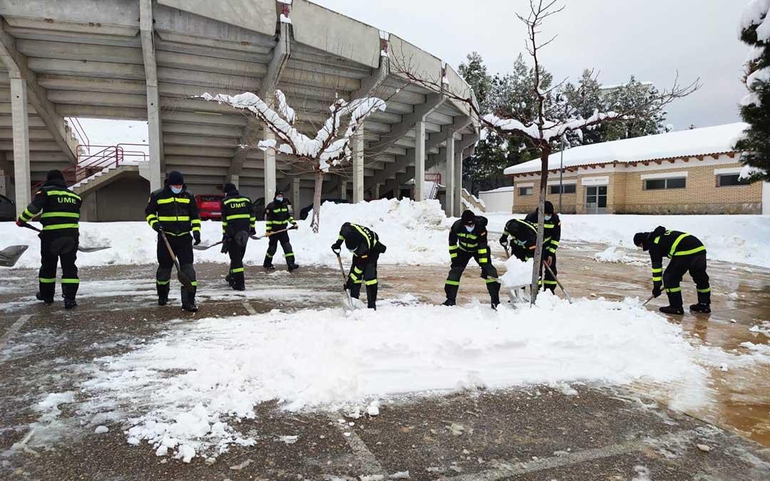 Parte de los efectivos de la UME desplegados en Castellote. / Delegación del Gobierno