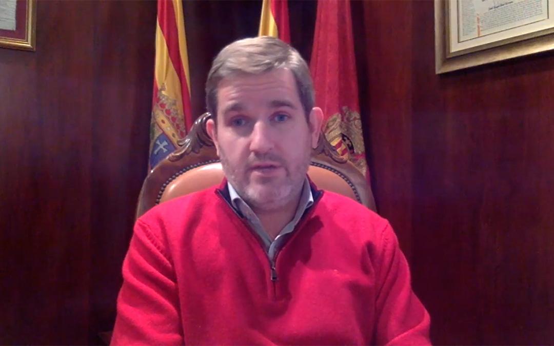 El alcalde de Alcañiz, Ignacio Urquizu, en el vídeo compartido en redes sociales./ L.C.