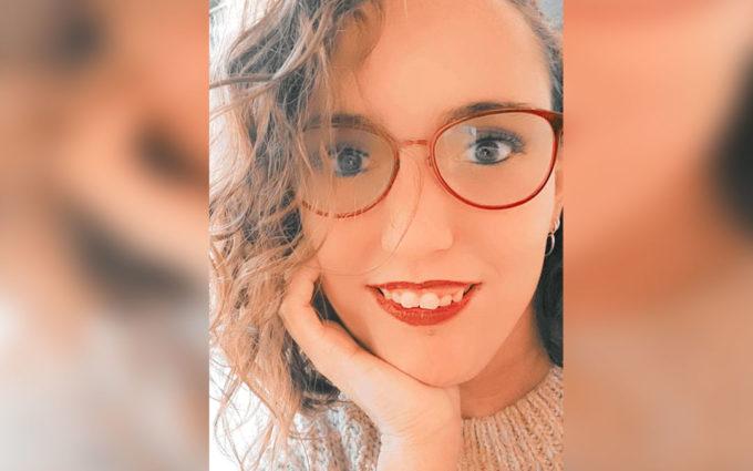 Una joven caspolina con Síndrome de Alagille recoge firmas para mejorar la vida de los afectados de esta enfermedad rara