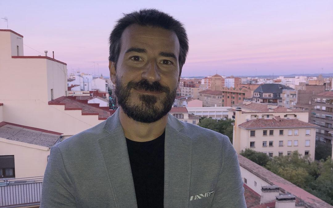 Pedro Ciria es historiador, escritor y jefe de estudios de la Universidad de la Experiencia. / L.C.