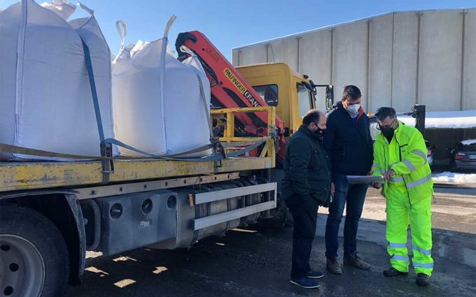 El operativo de la DPT destina 1.400 toneladas de sal a paliar los efectos del temporal