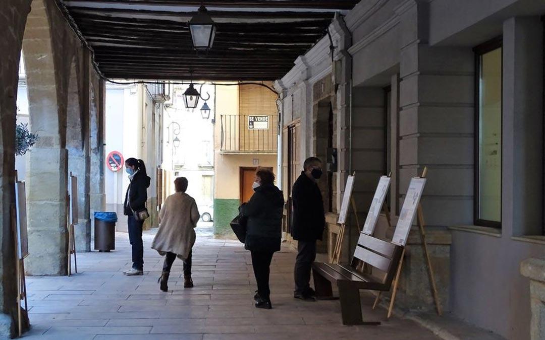 Cultura en las calles con la exposición 'Topónimos con nombres y apellidos'./Ayto Alcorisa