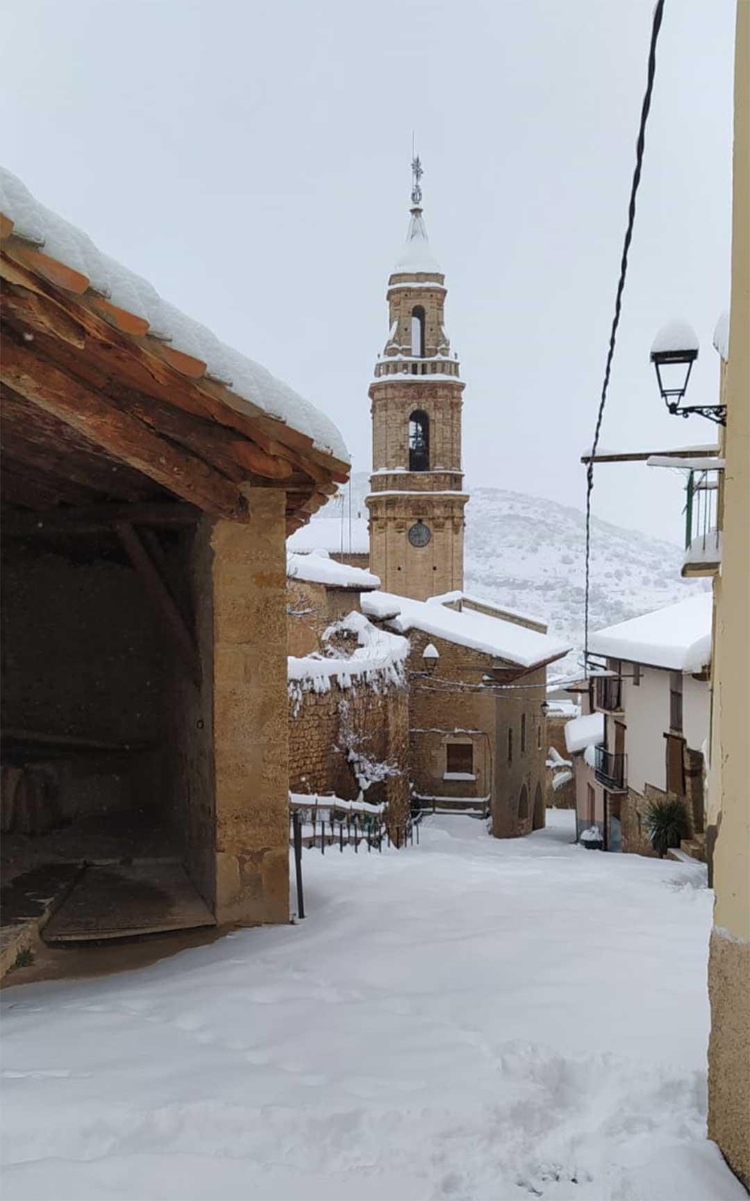 Tronchón nevado este sábado./ Roberto Rabaza