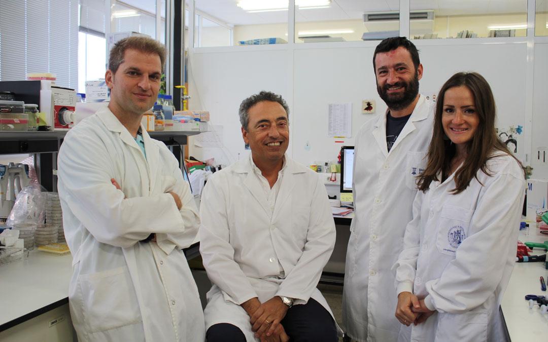 Parte del equipo de Vacuna MTBVAC de Carlos Martín: De izda a dcha: Jesús Gonzalo-Asensio, Carlos Martín, Ignacio Aguiló, y Dessislava Vaneva Marinova. / Unizar