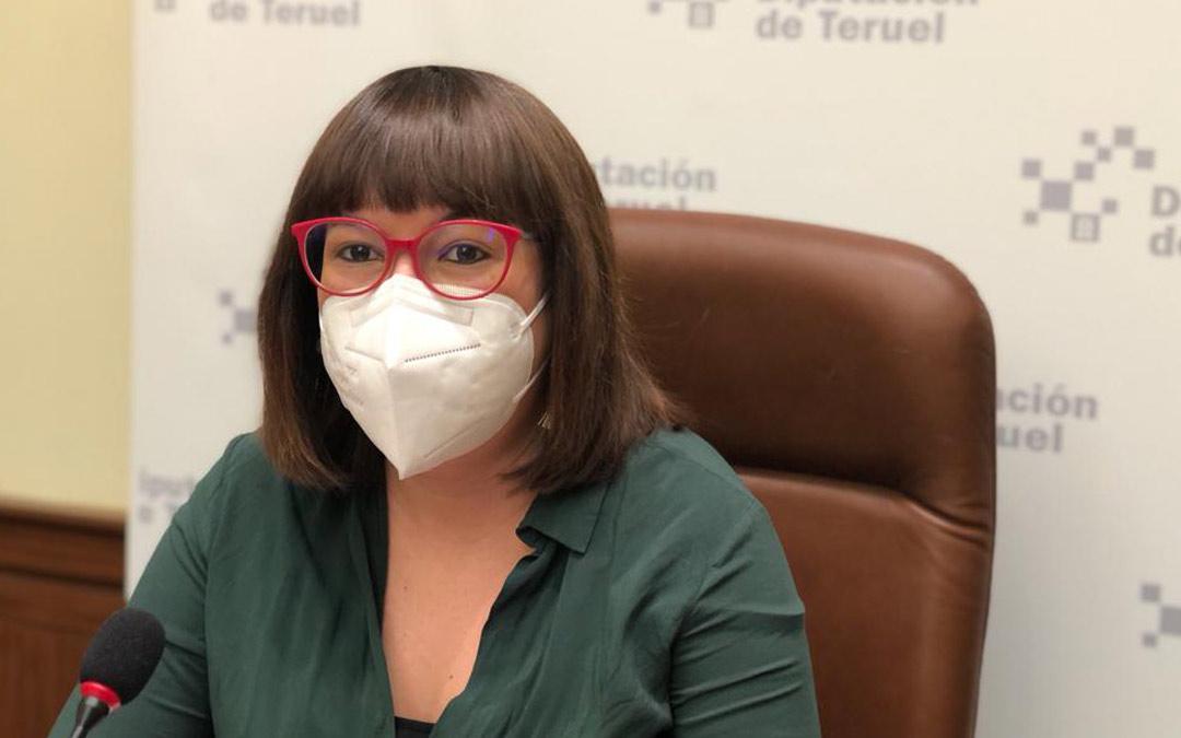 Susana Traver, diputada de Educación e Igualdad de la Diputación de Teruel, durante la presentación este lunes de la iniciativa./DPT