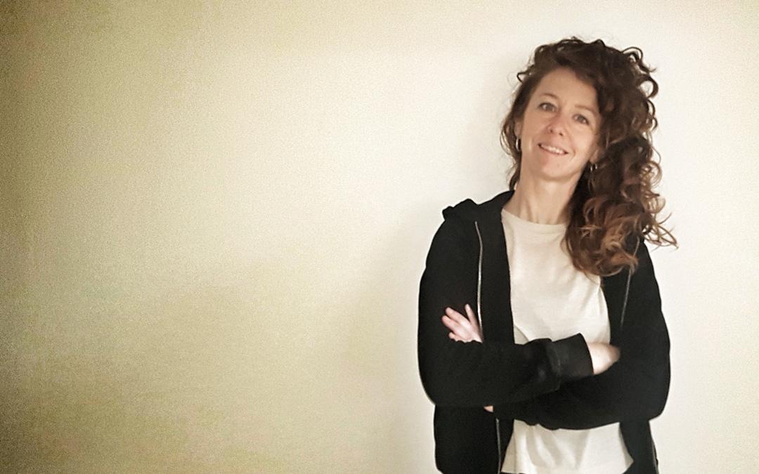 Tras tiempo fuera por formación y trabajo, Laura volvió hace siete años a Alcañiz donde se siente «a gusto» con un proyecto vital y profesional. / Archivo personal