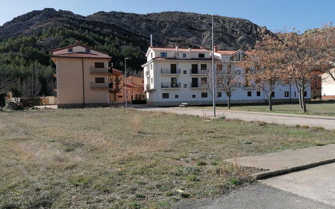 Terrenos donde se ubicarán los apartamentos tutelados para personas mayores./ S.U.