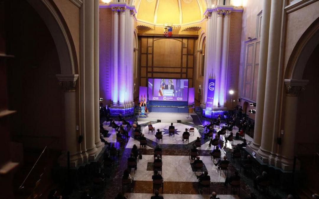 Felipe VI en la gala, celebrada este viernes en Zaragoza./ Heraldo