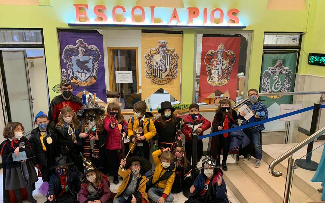 Imagen de grupo por el carnaval/ESCOLAPIOS