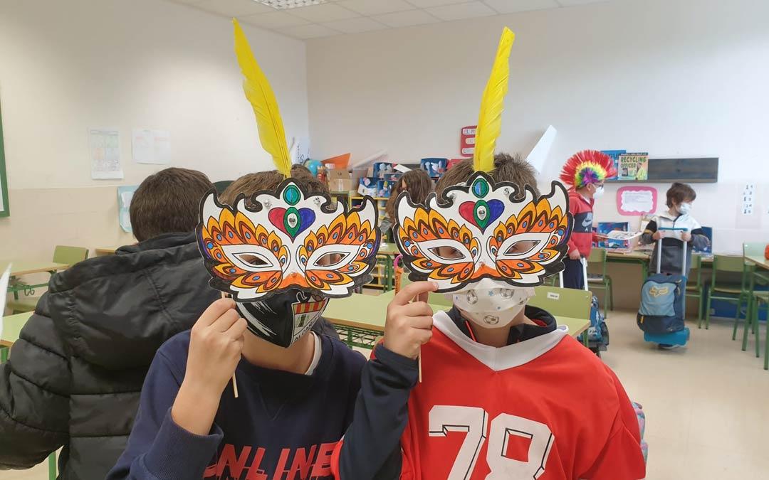 En el Colegio Juan Sobrarias otro tipo de máscaras han sido protagonistas/JUAN SOBRARIAS