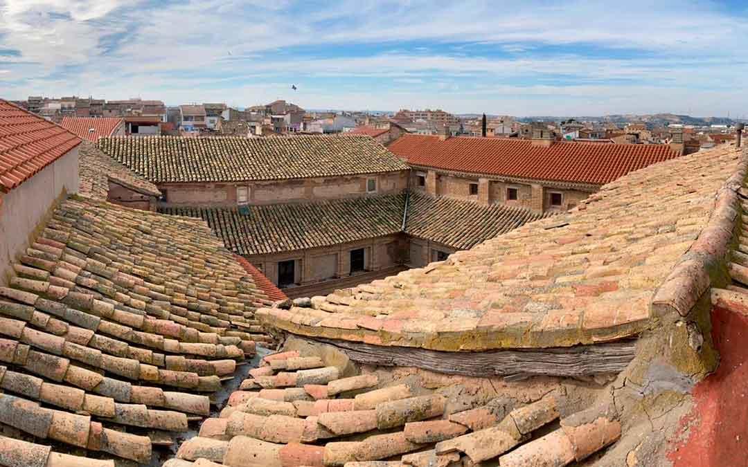 Imagen actual de las condiciones en las que se encuentra la cubierta del convento de San Agustín de Caspe. Ayto Caspe