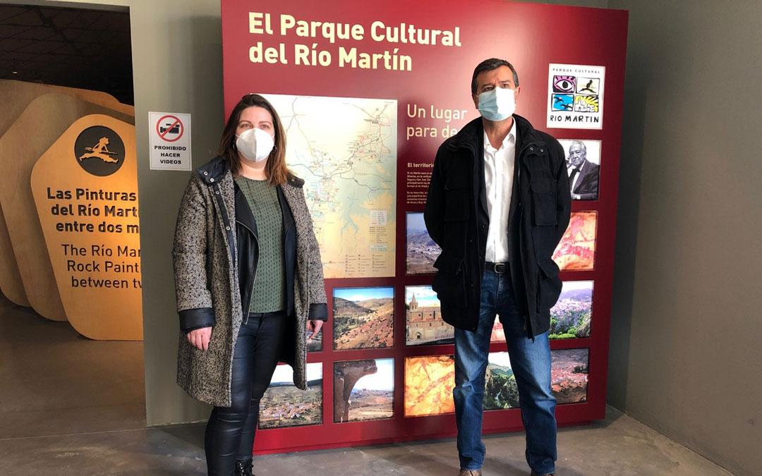 María Ariño y Joaquín Noé, en la sede del Parque Cultural del Río Martín. / DPT