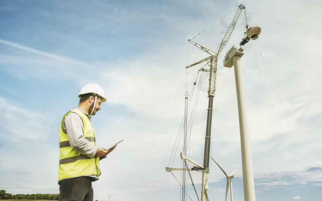 Trabajos de construcción de un parque eólico de Endesa en Teruel. / ENDESA