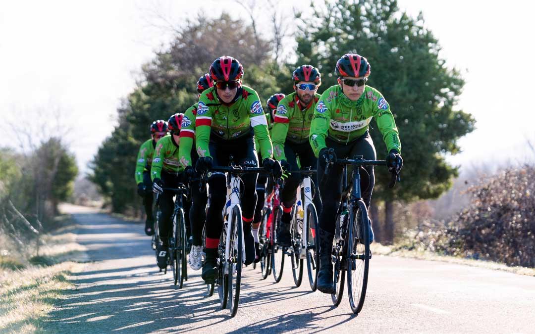 El equipo ciclista Huesca La Magia Renault. Foto: M.E.