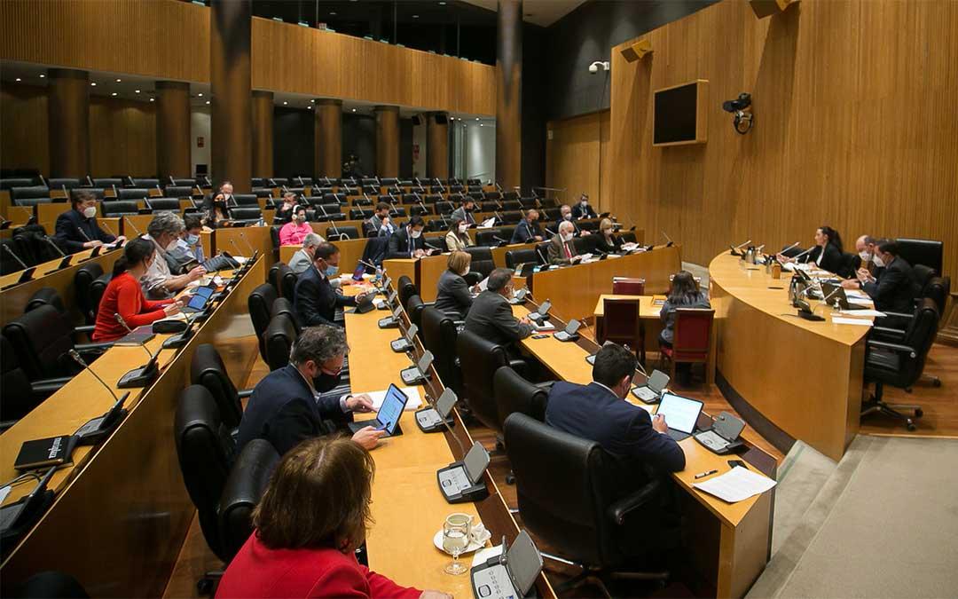 Ganaderas en Red en la Comisión de Agricultura./ Teruel Existe
