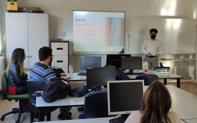 El IES Fernando Lázaro Carreter de Utrillas acoge el taller 'Leader y autoempleo'